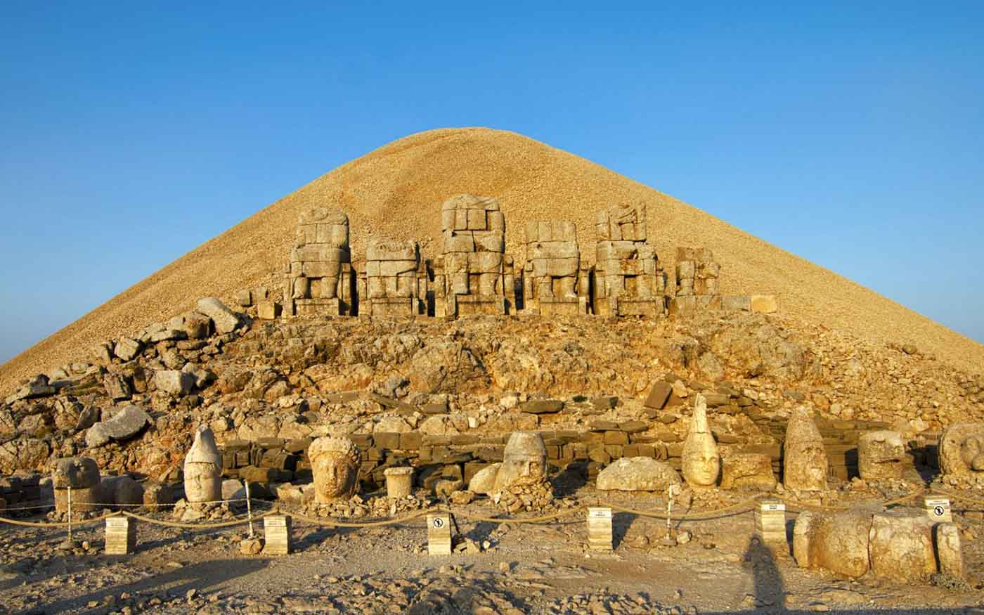 Mount Nemrut Tumulus Environmental Design